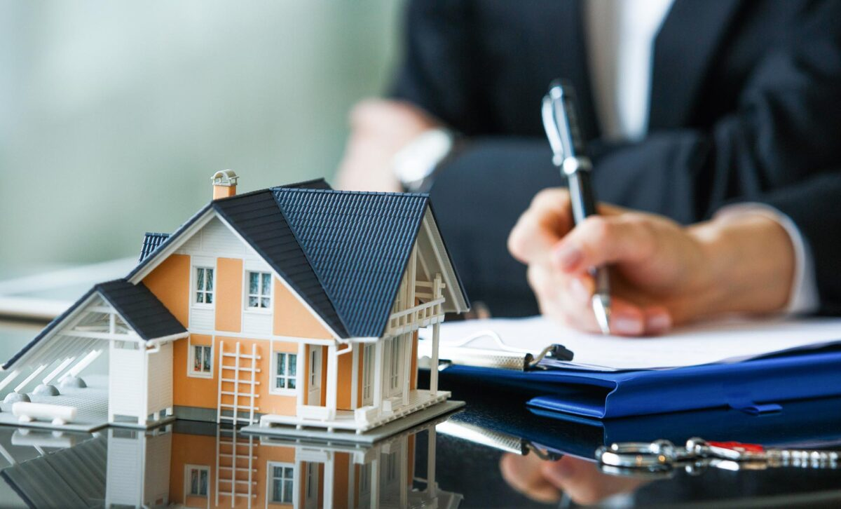 What happens to your mortgage loan when you sell a house?